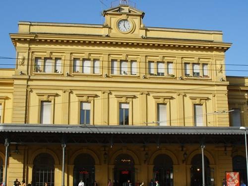 modena stazione treni foto